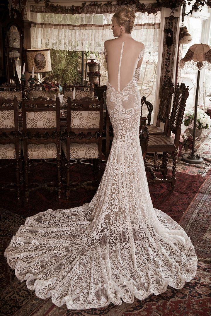Mermaid wedding dresses with sleeves | itakeyou.co.uk #wedding #weddingdresses #weddingdress #weddinggown #mermaid #mermaidgown #bridalgown