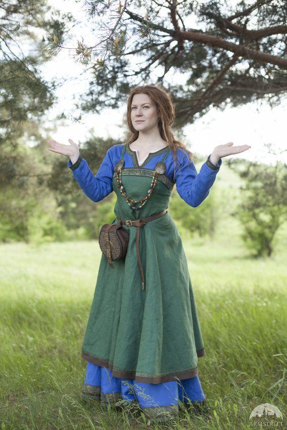 Viking kostuum jurk en schort Ingrid de Hearthkeeper door armstreet