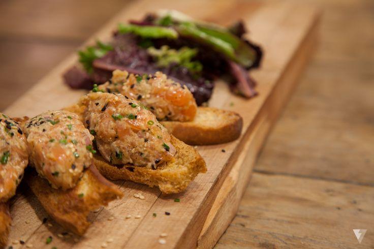 Tartare de saumon si bon! Servi tous les midi !