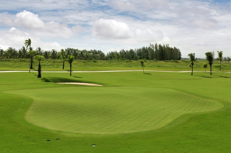 Golf in the city and make a tours; all combined in one package. Start with Golf tours in two first days, and the 2 left days end with visiting six popular historical places in Phnom Penh. As well You will get new experience of city sightseeing with an hour-cyclo tour. It is a amazing golf tour in Cambodia.