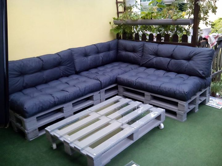 die besten 25 lounge aus paletten ideen auf pinterest gartenbaubetriebe outdoor vorh nge und. Black Bedroom Furniture Sets. Home Design Ideas