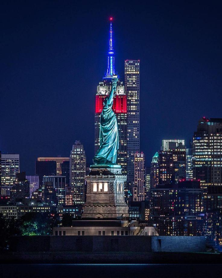 The Liberty of New York by @craigsbeds #newyorkcityfeelings #nyc #newyork