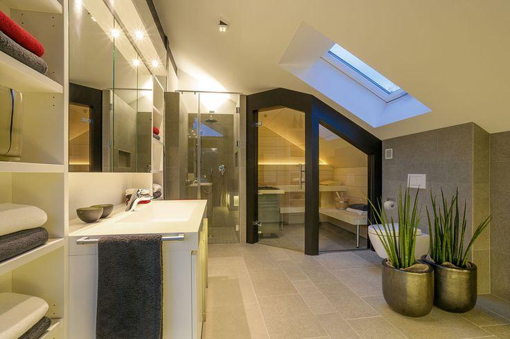 HUF Haus Bad direkt unter dem Dach mit Sauna