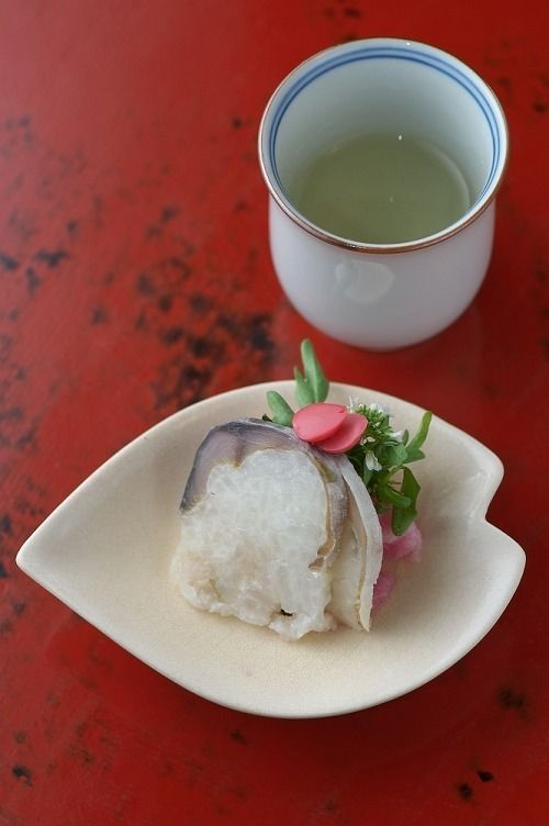 Pressed Sushi with Saba Mackerel | Kyoto, Japan 鯖寿司