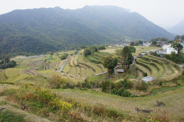 香川(4) 小豆島観光(中山の棚田・エンジェルロード)&高松へ | 旅行記 Travel Blog