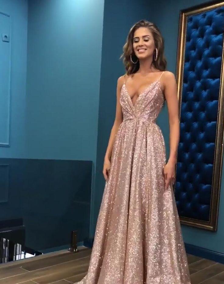 Schlichtes Abendkleid Günstig | Abendkleider Lang mit Glitzer Modellnummer: BC0494