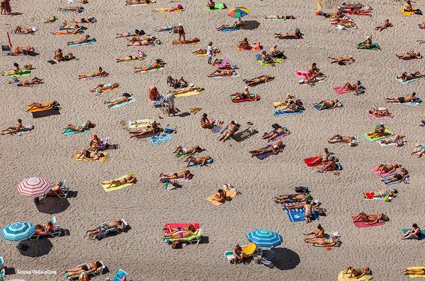 A Coruña disfrutará esta semana de buenas temperaturas con termómetros en máximas de hasta 32º. Si buscas un city-break, ¿qué te parecen nuestras magníficas playas? ¡No lo dudes!  www.turismocoruna.com