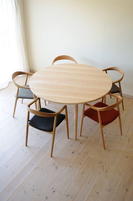 メープル丸ダイニングテーブル(5本脚) 直径130cm / カグオカ