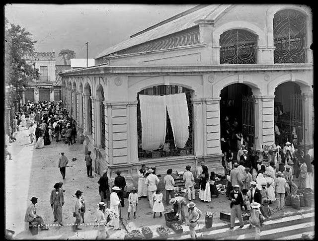 Fotografía narrativa: 15 fotos centenarias de Venezuela en la Biblioteca del Congreso Mercado popular en Caracas, 1900-1906.