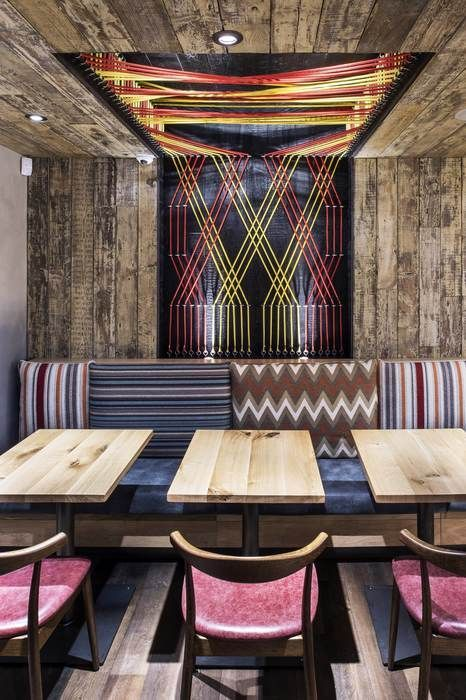 Nando's Harrogate, 41-45Parliament Street, Harrogate HG1 2RE. 27 May 2015