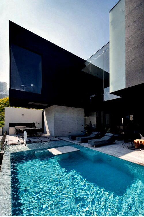 Architecture - pool.  #modern #Contemporary luxuryprivatelistings.com Call us today at 480-285-2782 or visit Luxuryprivatelistings.com
