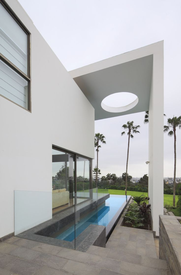 Image 4 of 25 from gallery of House on the Hill / Jose Orrego. Photograph by Juan Solano