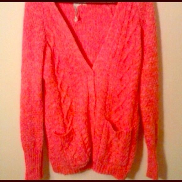 🎀Aeropostale Aero Hot Pink Cardigan Sweater Small Super bright & warm cardigan from Aero. It has an oversized fit so it could fit an M as well.. In like new condition!💋 Aeropostale Sweaters Cardigans