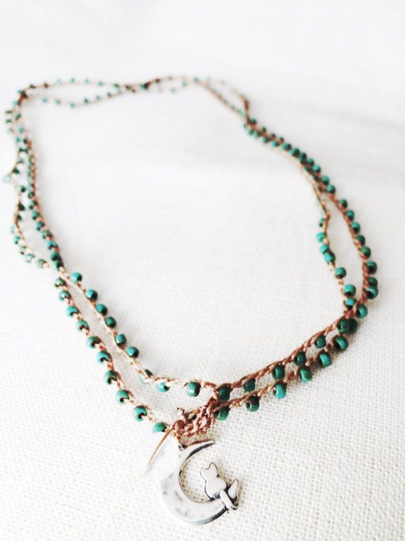 Collana intrecciata a mano con charm d'argento di Ebbijoux su Etsy