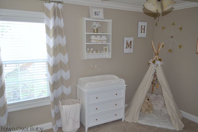 DIY No-Sew Tee-pee - such a sweet nursery addition that baby can grow into! #nursery #DIY