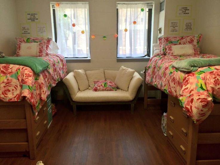 preppy dorm room decorating ideas college life pinterest dorm pink dorm rooms and quirky. Black Bedroom Furniture Sets. Home Design Ideas