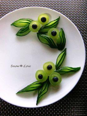 飾り切り♠きゅうりで作る葉っぱ♠です。