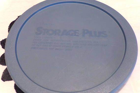 Vintage Pyrex 7401 Blue Blue Pyrex 7401 3 cup Pyrex lid