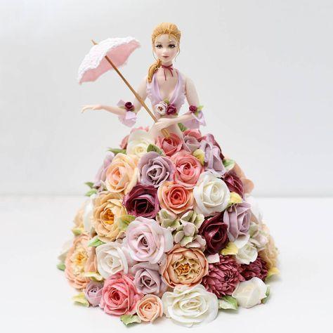 835 vind-ik-leuks, 32 reacties - Buttercream flower cake 버터크림케익 (@kissthecake72) op Instagram: 'DOROTA'S TABLE & KISS THE CAKE collaboration project ... sugarfigurine ♡ buttercream flower…'