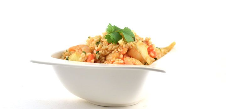 Dit Thaise gele curry met garnalen recept is zó lekker! Je vergeet gewoon dat het gemaakt is met bloemkoolrijst. Simpel, snel, koolhydraatarm én lekker!