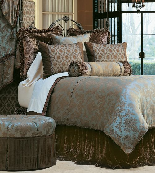 Best Our Foscari Luxury Bedding Collection Depicts Robin S Egg 640 x 480