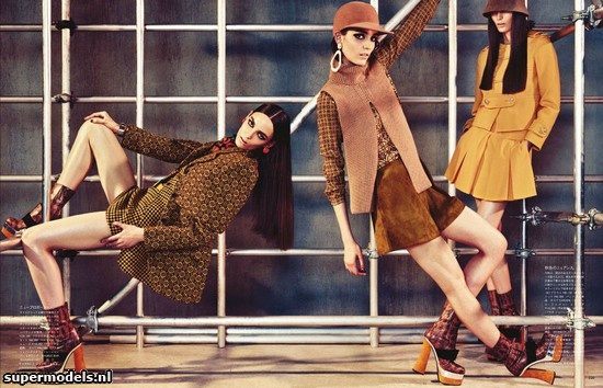 Zuzanna Bijoch in 'Hard At Work' - Photographed by Sharif Hamza (Vogue Japan September 2012)    Complete shoot after the click...