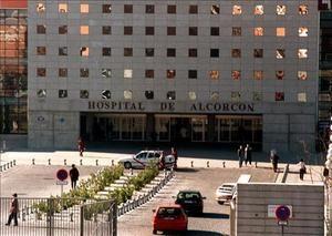 Los enfermeros del Hospital Universitario Fundación Alcorcón, en Madrid, imparten charlas y talleres sobre temas relevantes en la salud de las personas mayores, que persiguen fomentar patrones de conducta saludables y, además, permiten a los participantes adquirir conocimientos básicos sobre prevención y factores de riesgo de las enfermedades más comunes en esta etapa de la vida.  http://wp.me/p1ZS3Y-4i