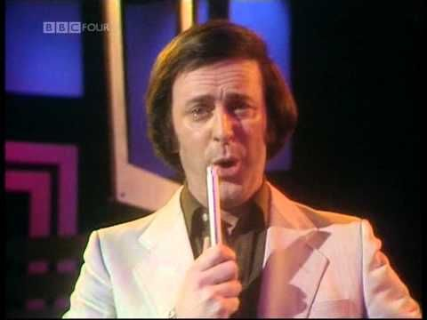 ☘☘☘ Remembering Terry Wogan this morning - You will be missed ♡- Terry Wogan singing The Floral Dance - YouTube ☘☘☘
