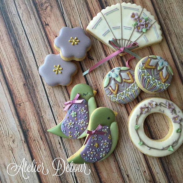 Japanese style early spring cookies ずいぶん前に作った和テイストの梅春クッキーです。 ようやく体験レッスンのご案内ができそうです。 近日中に詳細わかり次第ブログ・fb・IGでお知らせしますInstagram web viewer online, You can find the most pop photos and users at here Yooying.