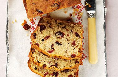 Ocean Spray Cranberry Banana Bread. Try this recipe now: http://www.oceanspray.co.uk/Recipes/Corporate/Desserts-and-Baking/Cranberry-Banana-Bread.aspx?courses=DessertsBaking