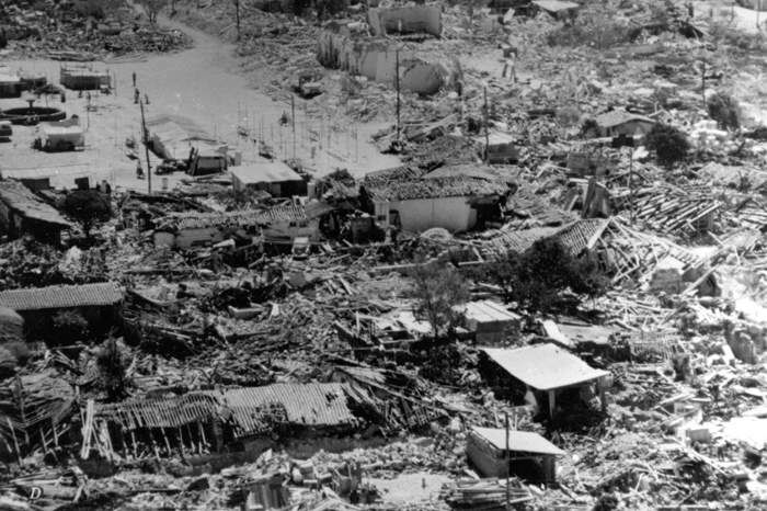 -Guatemala-Earthquake-1976- Carter.jpg (700×466)