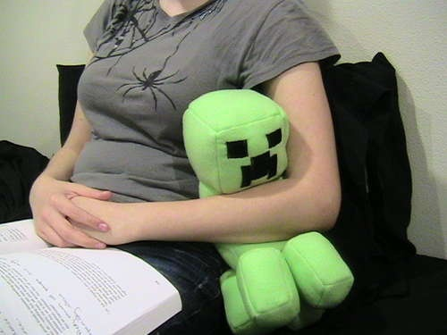 Step-by-step instructions to make your own stuffed Minecraft Creeper doll