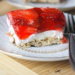 Strawberry Pretzel Dessert - my favorite picnic food of all time!