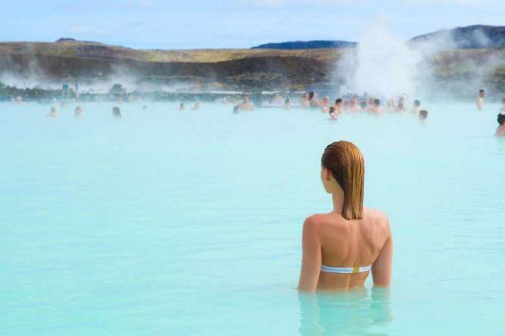 Lagoa Azul (Islândia) - Para encarar o frio glacial da Islândia, nada melhor que piscinas com águas ... - Shutterstock
