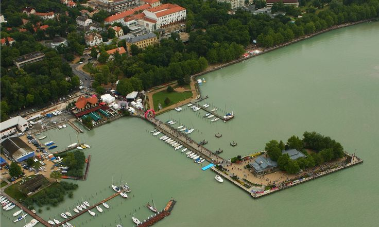 Aerial photograph of Anna Grand Hotel and Ipoly Residence wing Balatonfüred https://www.flickr.com/photos/hotelipolyresidence/sets