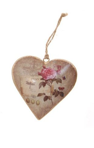 Rose Heart Hanging Ornament. This beautiful vintage style hanging would look perfect in a shabby chic home. #pretty #interiors