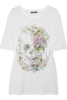 Alexander McQueen just makes skulls so pretty!