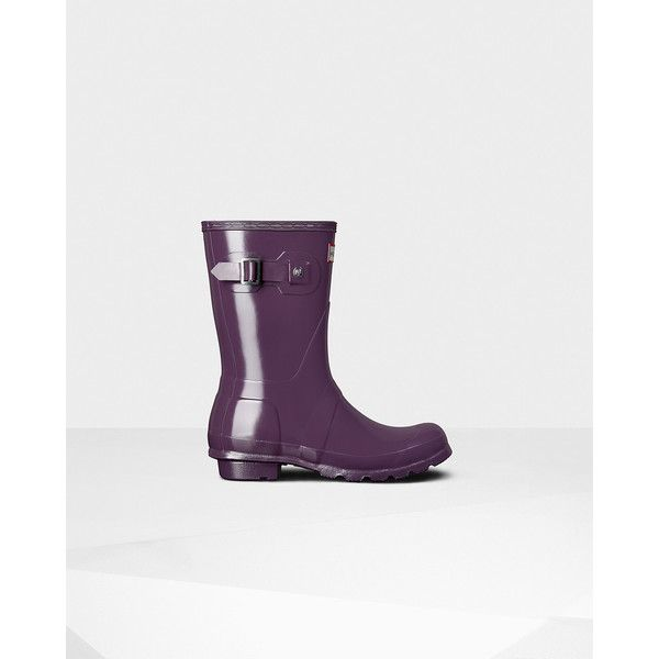 Hunter Womens Purple Short Gloss Rain Boots ($83) ❤ liked on Polyvore featuring shoes, boots, purple, waterproof boots, purple rubber boots, rubber boots, waterproof wellington boots and short rubber boots