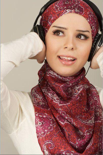 college girls hijab looks, http://www.justtrendygirls.com/modest-street-hijab-fashion/
