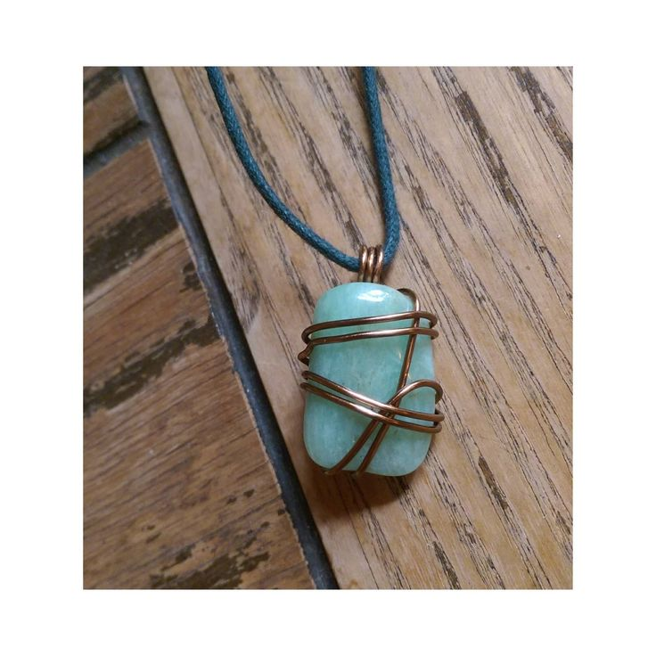 Collier long/mi-long/court, corde verte fonçé, pierre semi-précieuse amazonite, fil de cuivre laiton antique 18ga.Long/short necklace, dark green rope, amazonite stone, 18ga wire.