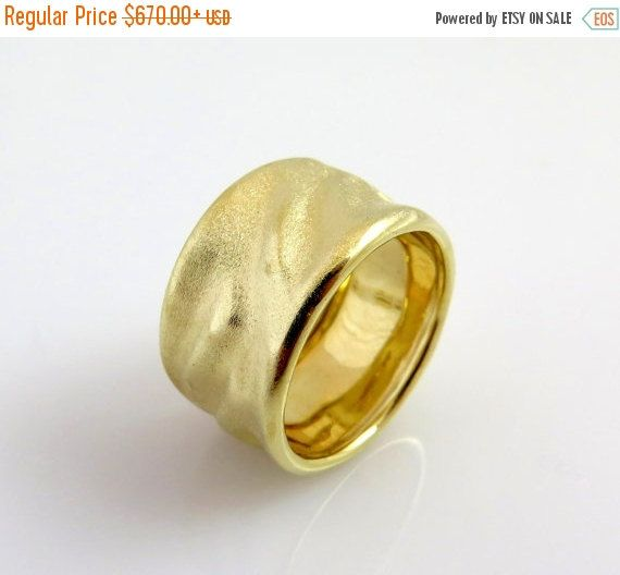 Fresh Hey I found this really awesome Etsy listing at https Wide Wedding BandsMatte