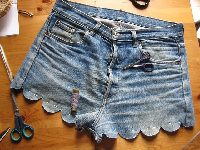 #fashion DIY with old boyfriend jeans i could add some lace on there too and BAM!!