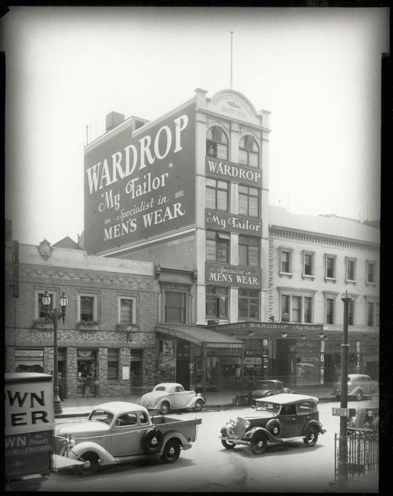 Elizabeth St c. 1915-1920. All exept the House of Commons Hotel still standing. courtesy of State Library of Victoria.
