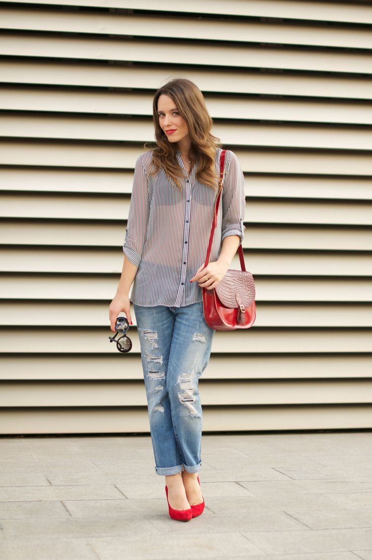 #fashion #fashionista @Macarena Ruiz Mackay gea photo red_shoes-boyfriend_ripped_jeans-street_style-outfit-macarena-gea-1_zps6f9db8fc.jpg