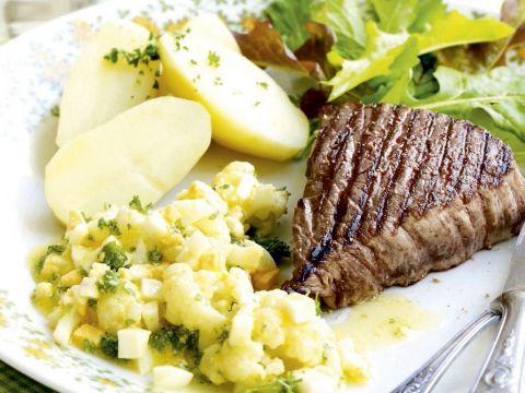 gegrilde steak met boemkool op z'n vlaams