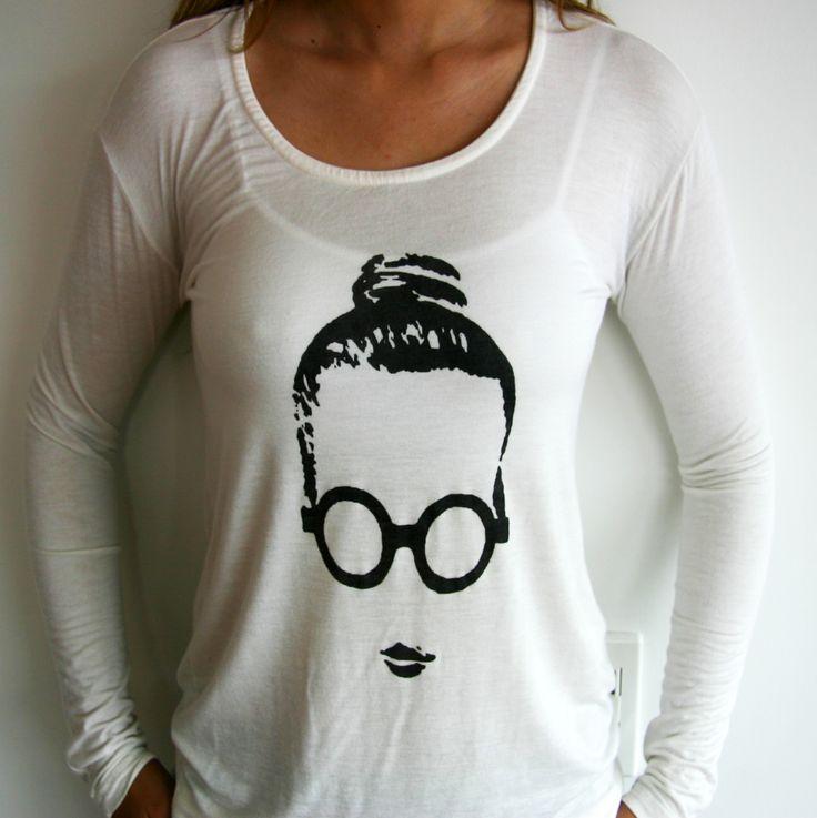 Camiseta Gafas. Tshirt, white, blouse, top, glasses, face, doll, vintage.  @R T  29.000 manga corta 39.000 manga lagra