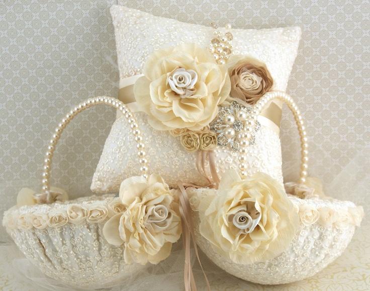 Flower Girl Basket & pillow. LOVE