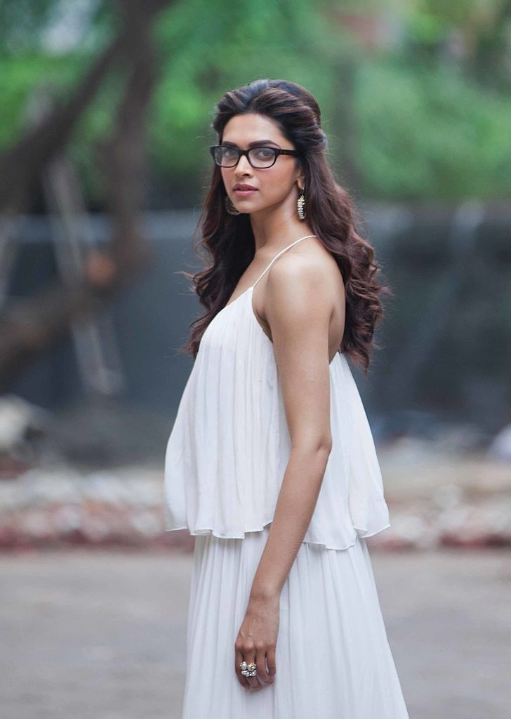 Pin by Thrivedh Swasthik on Deepika Padukone in 2020 ...