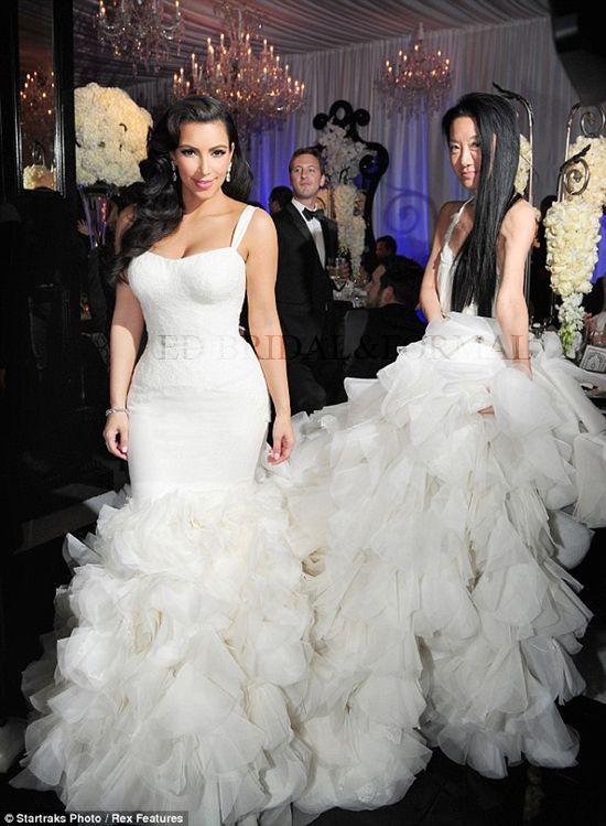 Kim Kardashian Wedding Dress Lace Mermaid Ruffle Celebrity Wedding Gown