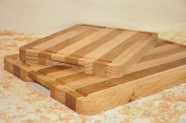 Tabla de madera combinando distintas tonalidades del Roble